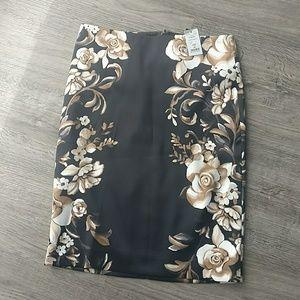 NWT WHBM Silky Floral Pencil Skirt Sz 00